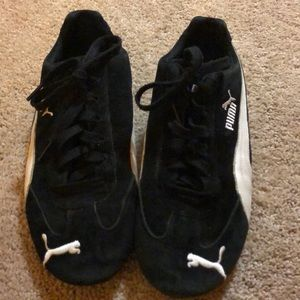 Men's size 9 Puma shoes